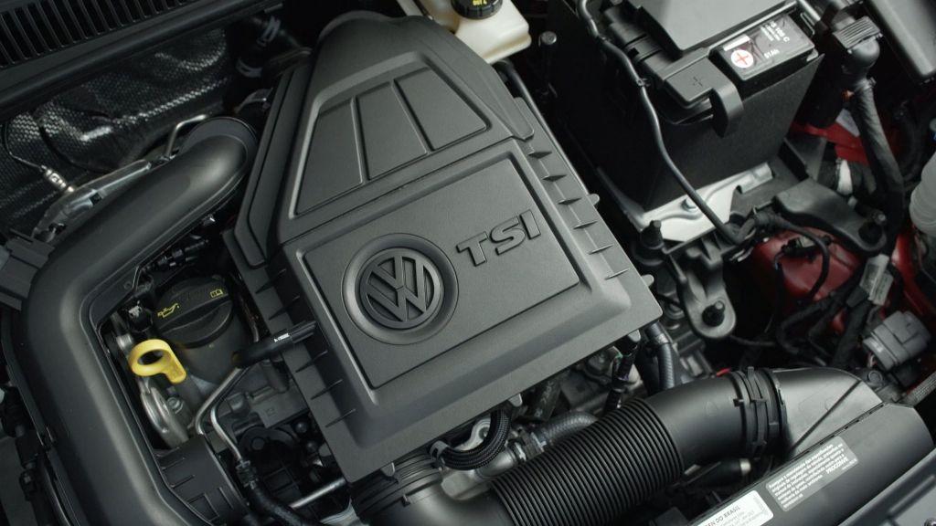 В качестве силовой установки выступает 1,0-литровый трехцилиндровый турбодвигатель TSI