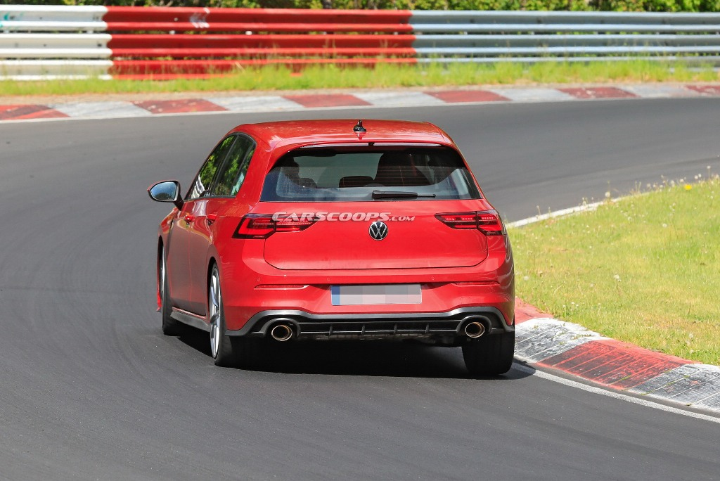 Модель займет нишу между базовым GTI и новым R AWD