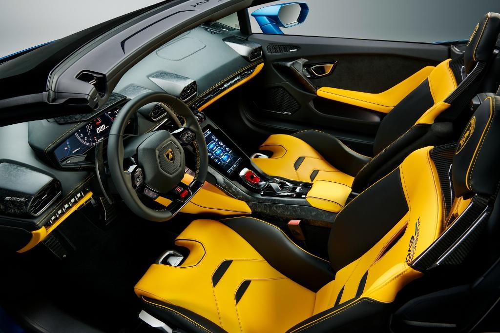 В продажу Lamborghini Huracan EVO RWD Spyder поступит уже этим летом. Его стоимость в Европе стартует от 176 тысяч евро