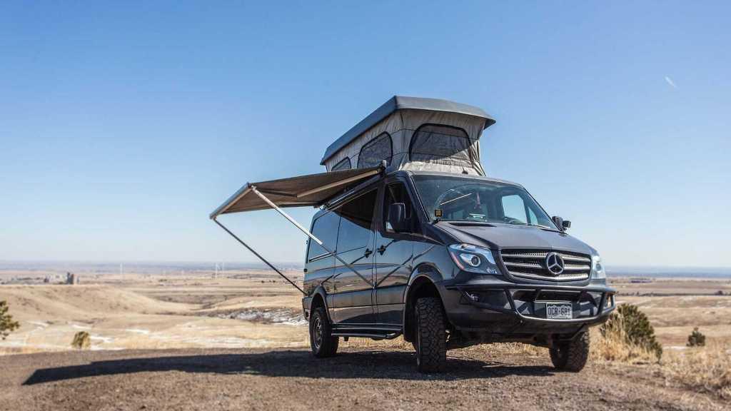 Автодом основан на базе Mercedes-Benz Sprinter