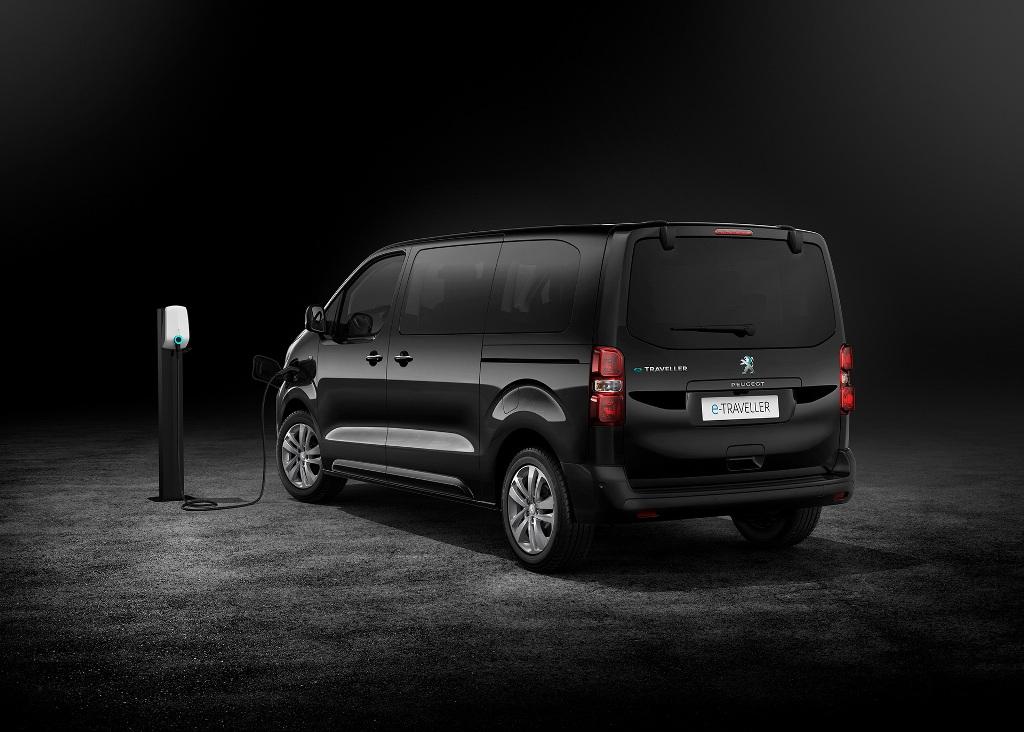 Peugeot e-Traveller базируется на платформе EMP2