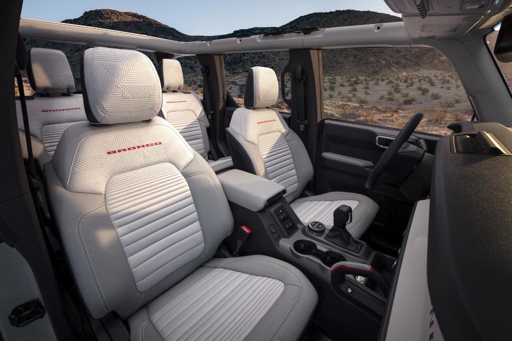 Производство Ford Bronco 2021 года стартует в начале 2021 года, а первые поставки запланированы на весну