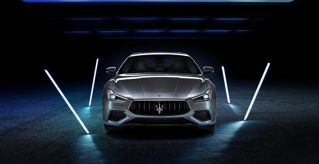 Гибридный Maserati Ghibli