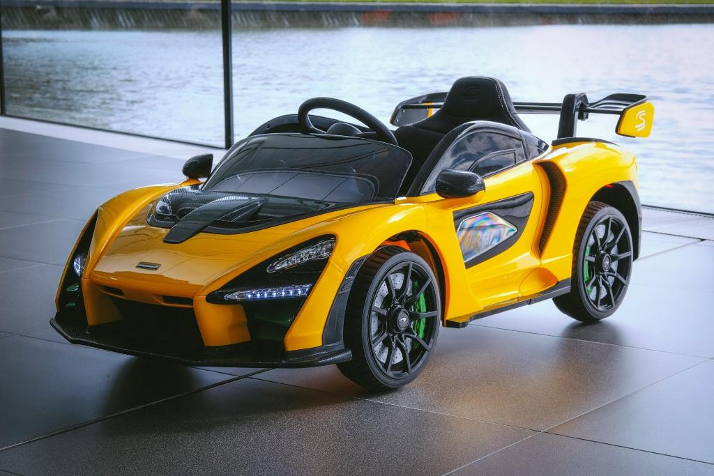 Модель максимально детализирована и в точности повторяет настоящий гиперкар McLaren Senna
