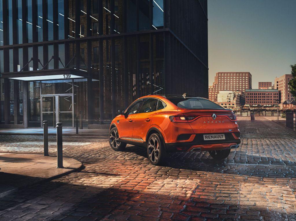 Отличить спецверсию можно по цвету кузова Orange Valencia, черным элементам декора и более спортивному переднему бамперу