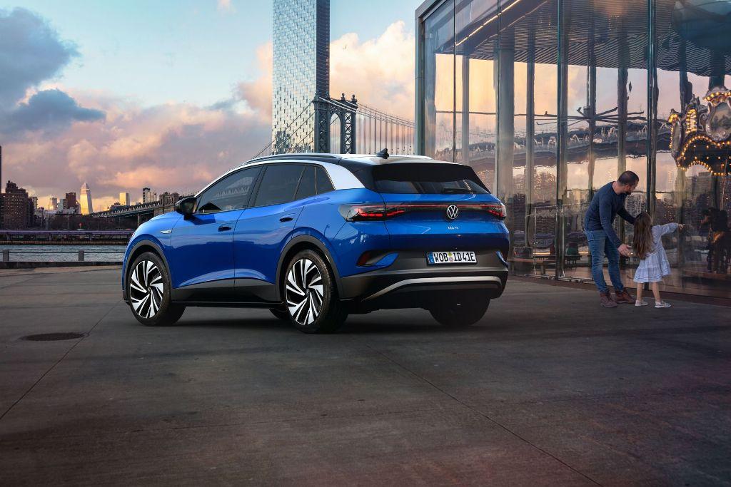 VW ID.4 внешне перекликается с ID.3, но технически он ближе к Skoda Enyak