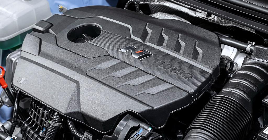 Hyundai i30 N поставляется с 2,0-литровым турбодвигателем