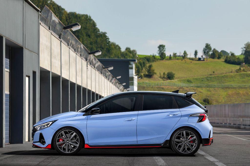 Новинка составит конкуренцию Ford Fiesta ST и Volkswagen Polo GTI