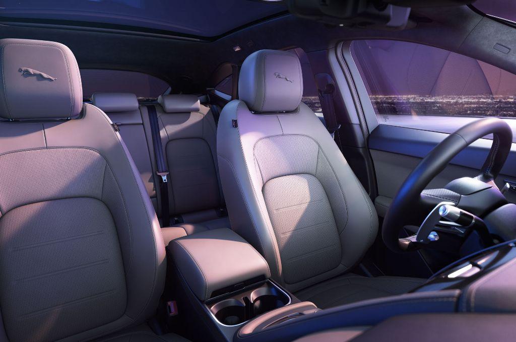 На рынок обновленный Jaguar E-Pace поступит в начале 2021 года