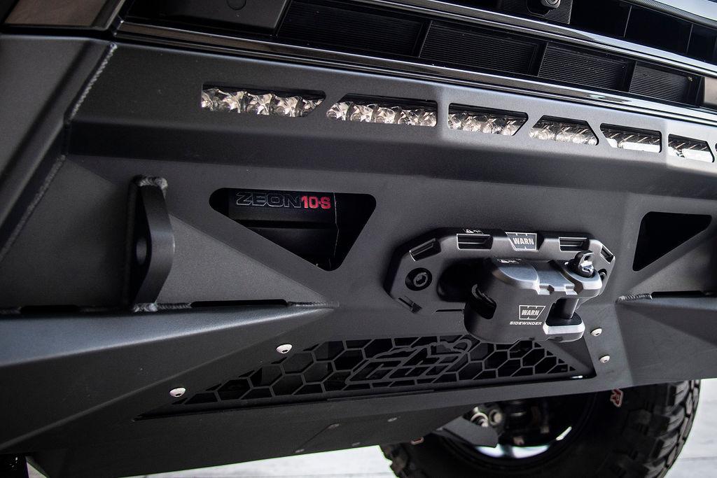 J201 получил бампер CBI Offroad с лебедкой и дополнительным блоком освещения Rigid Industries