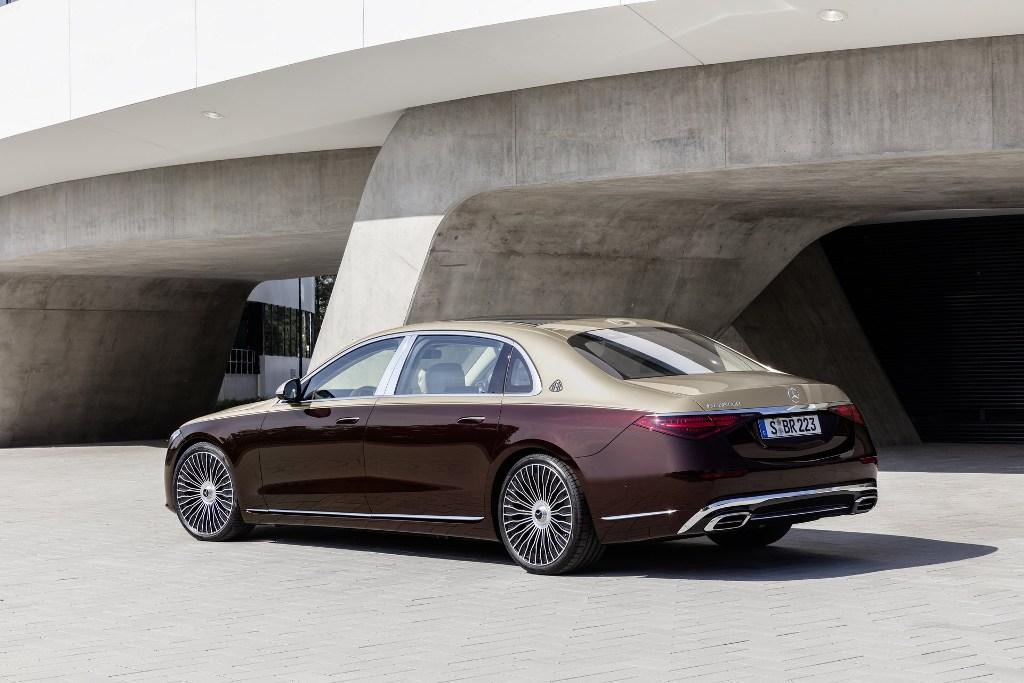 Новинка длиннее стандартной версии седана на 180 мм
