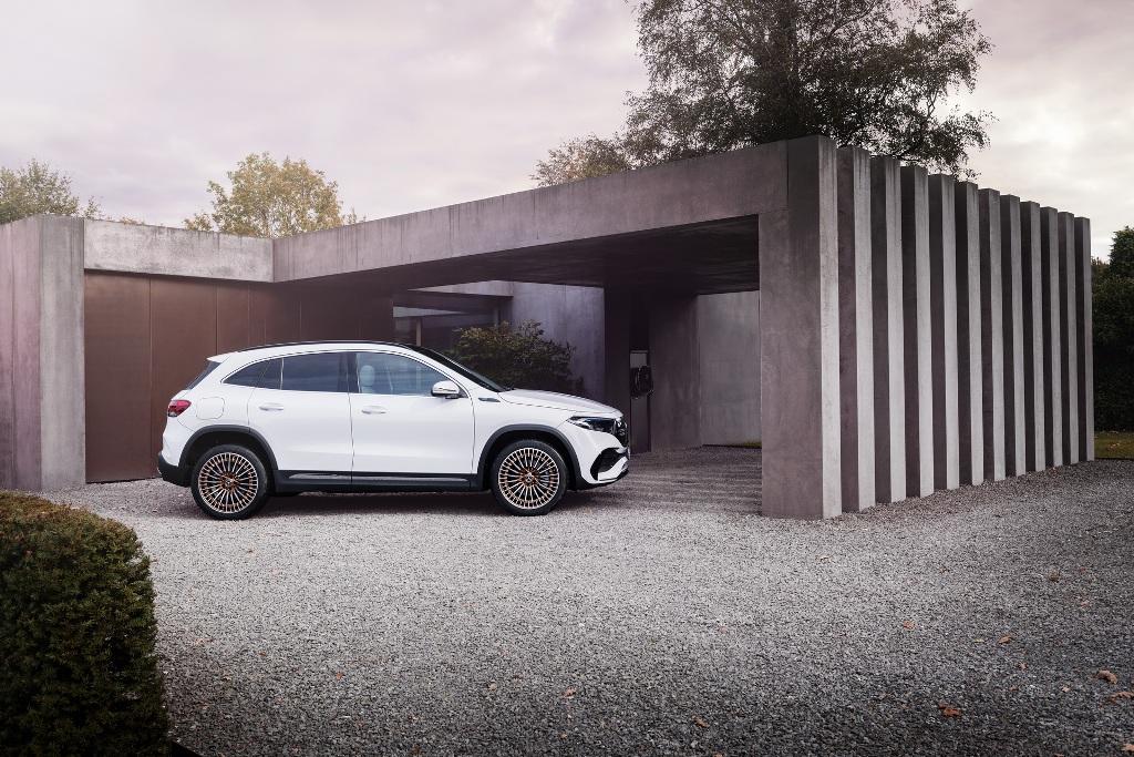 Mercedes EQA по своим габаритам и внешности сопоставим с топливным GLA