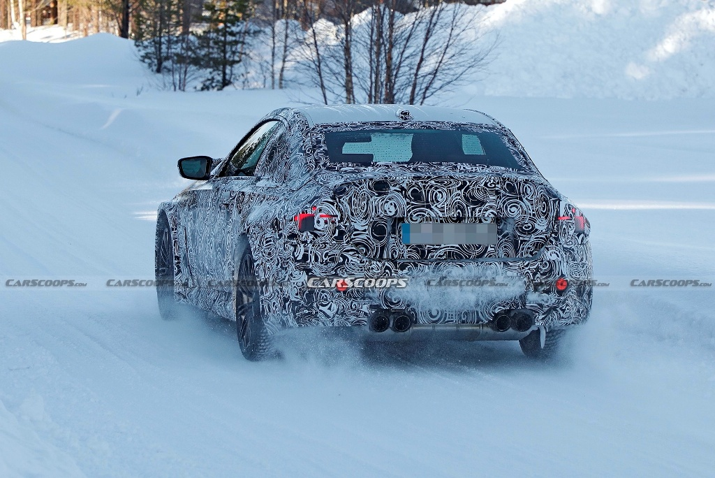 Автомобиль получит более широкие колесные арки, фирменную выхлопную систему с четырьмя патрубками