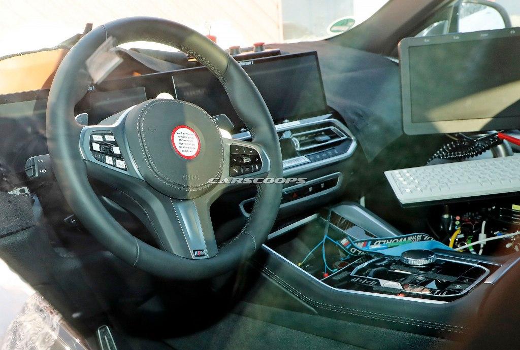 В оснащение салона X6 вошла новая 12,3-дюймовая цифровая приборная панель и мультимедийная система с экраном на 14,9 дюйма