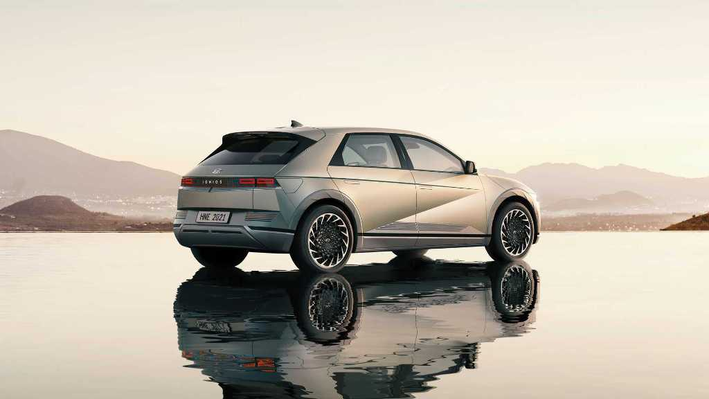 Внешне новинка почти полностью повторяет концепт Hyundai 45