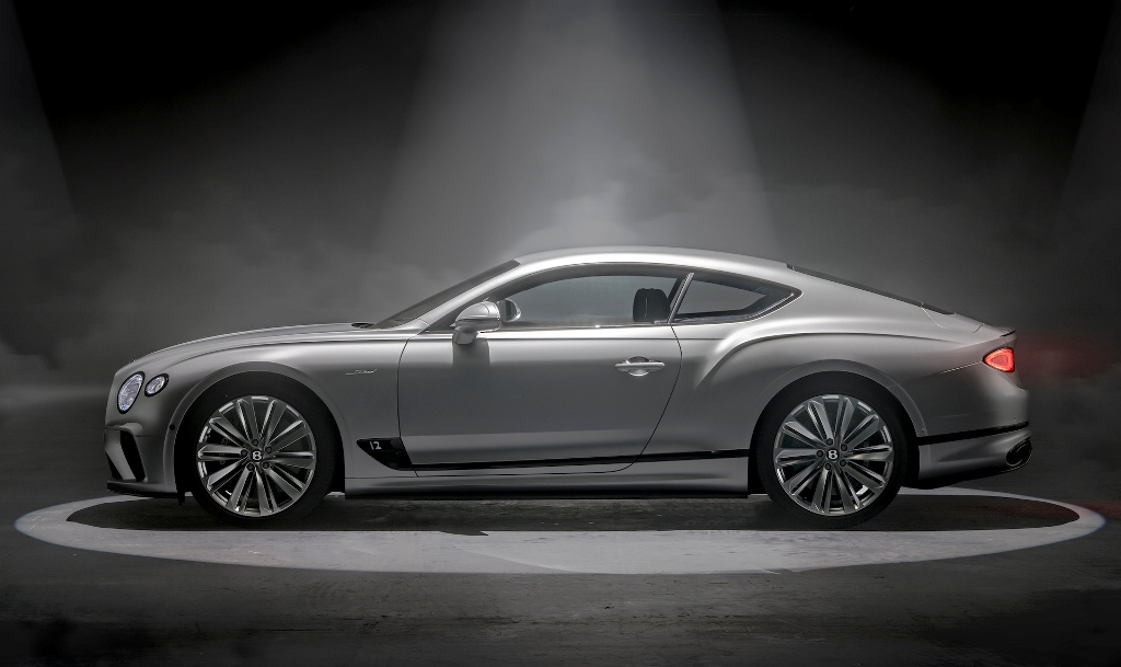 Визуально отличить высокопроизводительный Bentley Continental GT Speed можно по 22-дюймовым колесным дискам