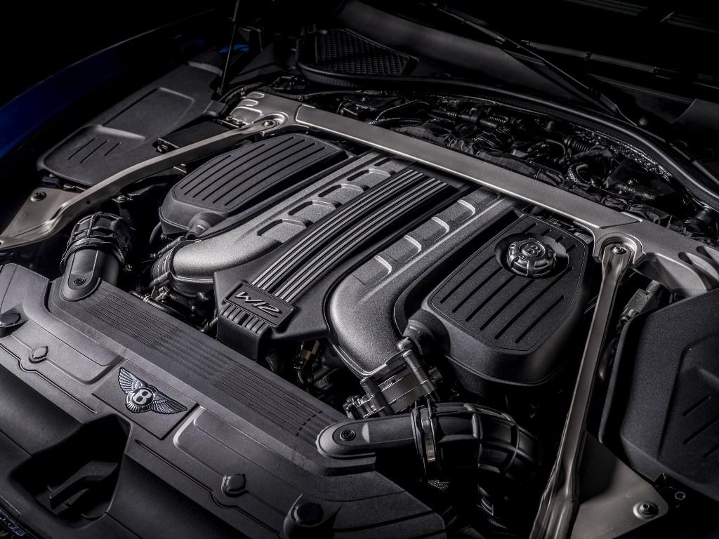 Под капотом Continental GT Speed Convertible установлен 6,0-литровый битурбированный двигатель W12 мощностью 659 л.с.
