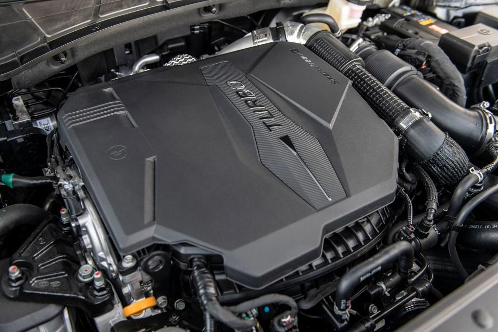 Пикап доступен с двумя 2,5-литровыми четырехцилиндровыми двигателем