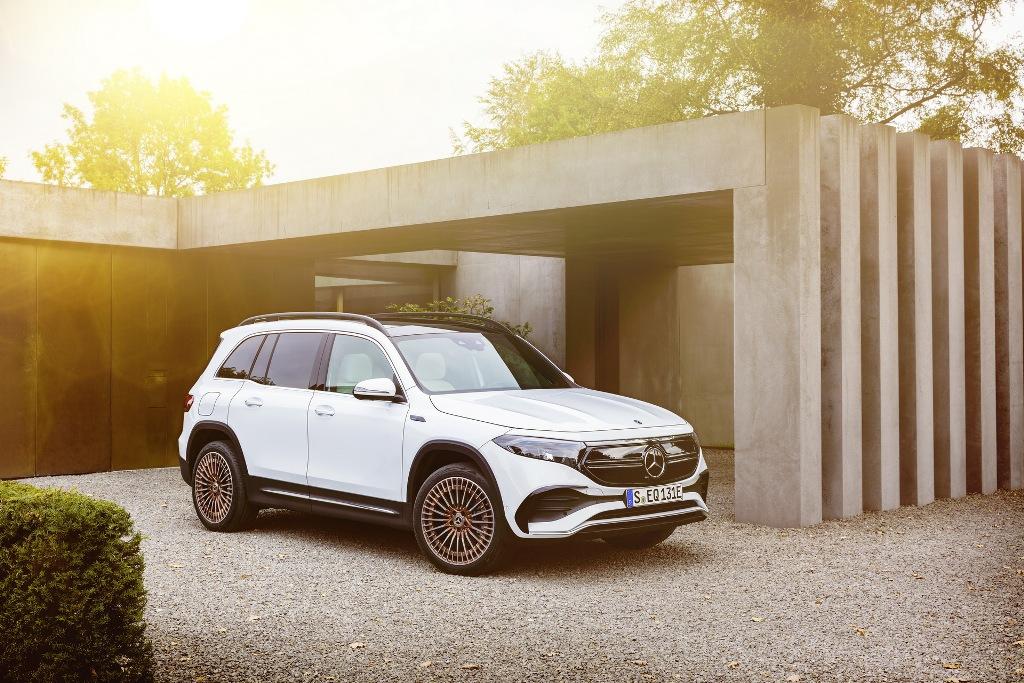 Mercedes-Benz EQB 2022 года
