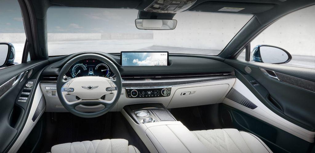 В салоне Genesis Electrified G80 установлена новейшая система активного шумоподавления ANC-R