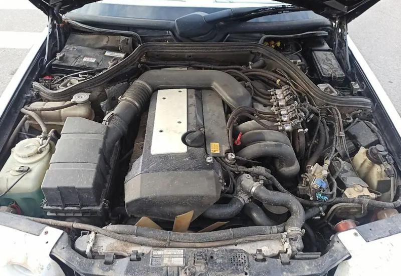 Под капотом модифицированного E-Class установлен 3,2-литровый бензиновый двигатель мощностью 225 л.с.
