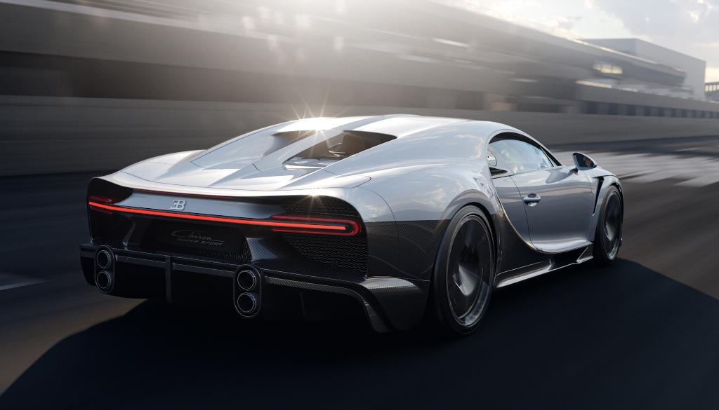 Super Sport отличается от стандартного Chiron увеличенной на 250 мм кормой
