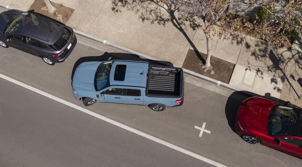 В движение Ford Maverick приводит гибридная установка