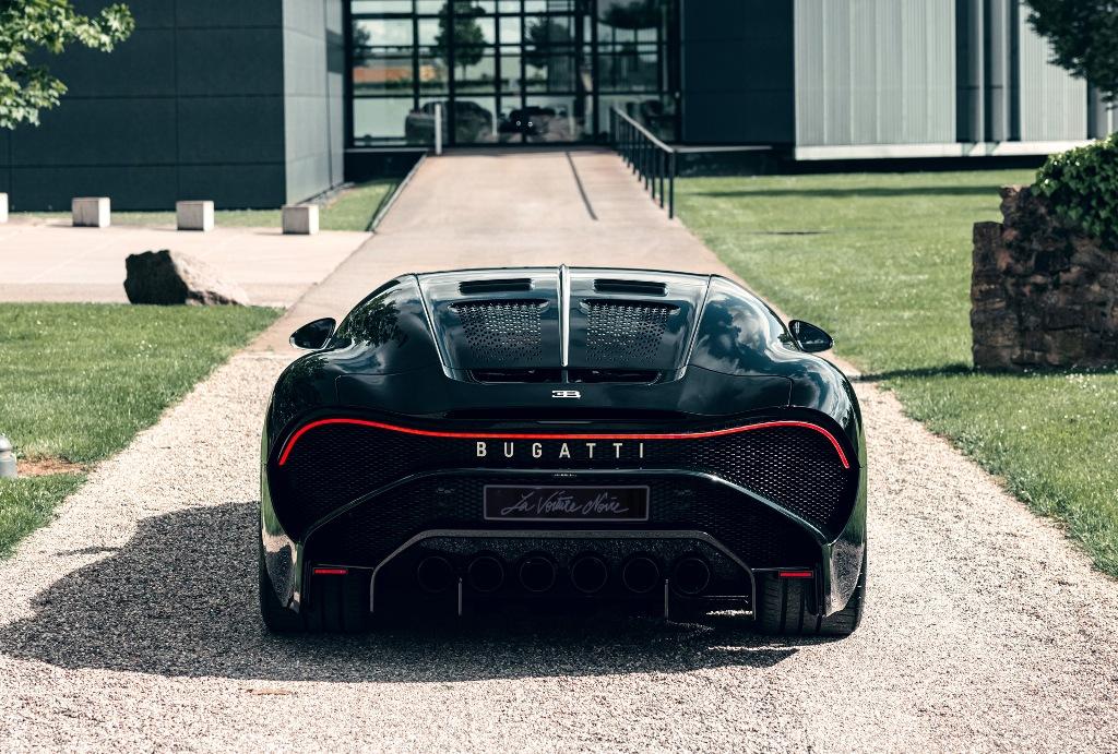 Автомобиль является современной интерпретацией личного Type 57 SC Atlantic Жана Бугатти