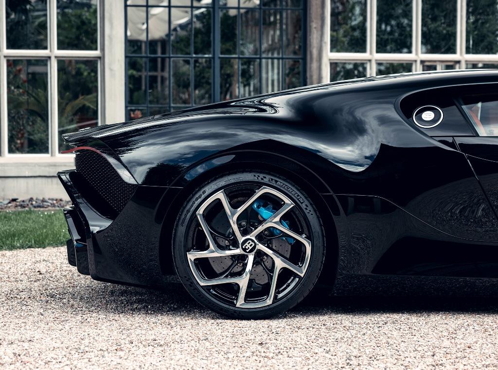 Кузов авто изготовлен из углеродного волокна