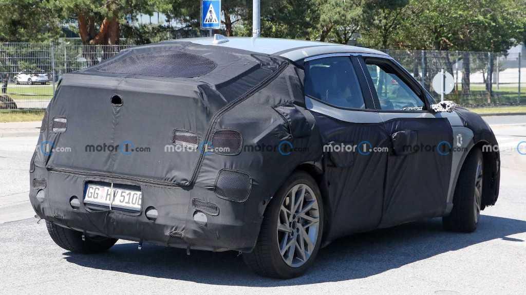 новый купе-кроссовер будет построен на модульной платформе E-GMP